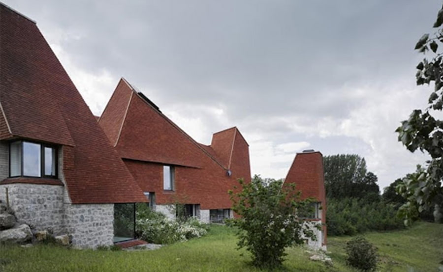 Caring-Wood-House-modern-pitched-roof