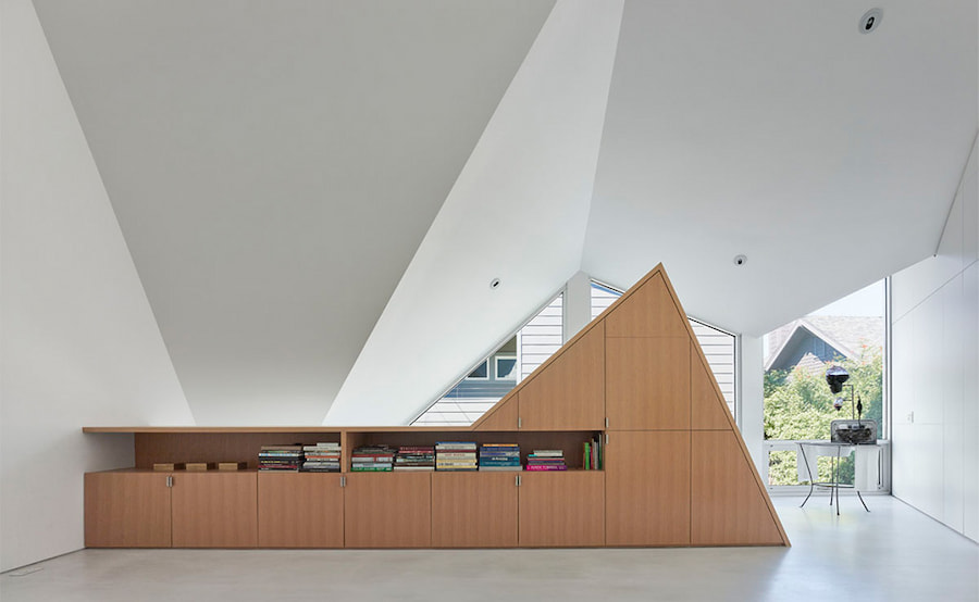 modern-pitched-roof-amoroso-residence