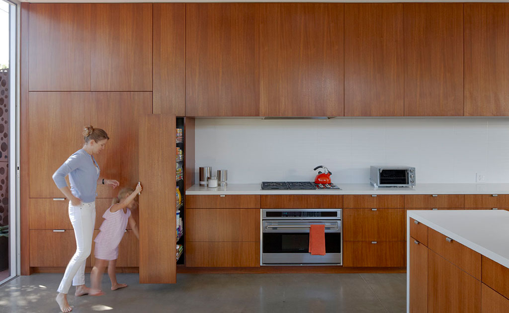 Storage-Modal-Simple-Modern-House